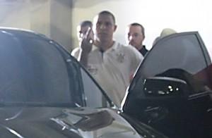 Ronaldo mostra o dedo do meio pra torcida no fim do jogo contra o Paulista